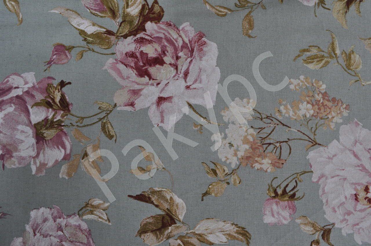 Букеты из роз на портьерной ткани